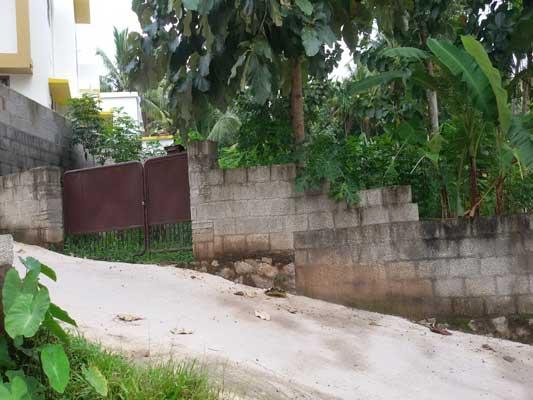 Trivandrum real estate Properties Lorry access land in Powdikonam Sreekaryam Trivandrum